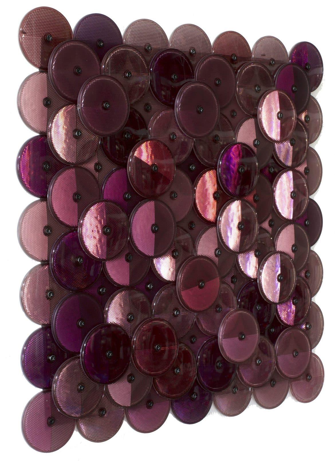 Dust (Dark Purple), customised corner reflectors, 60 x 60 cm, side view